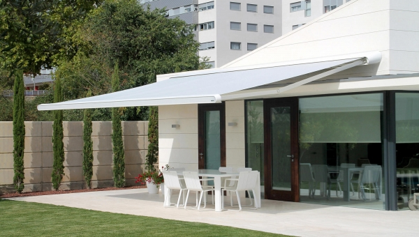 Outdoor motorised awnings in Gold Coast