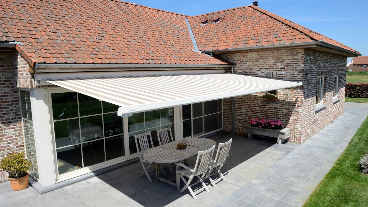 Different styles of awnings for your property